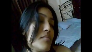 Pakistani cousin fucked by stud! Watch full video