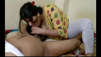 Indian wife duo blowjob