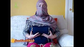 Real arab girl sucks and fucks on webcam