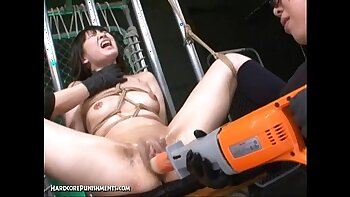Extreme bondage and fingertout filmed lellias