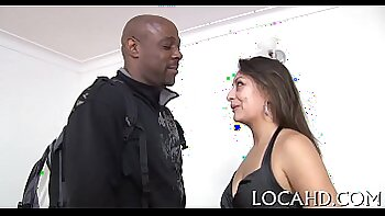 Two Latinas Fuck Each Other