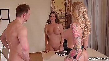 Crossracial threesome with MILF from office Sue