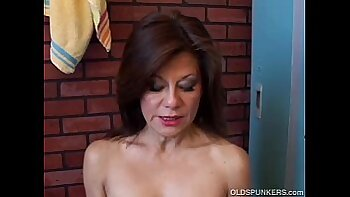 Amateur Mature gal trades dick for pussy